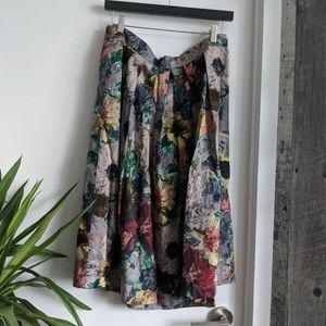Dresses & Skirts - Floral patterned midi skirt